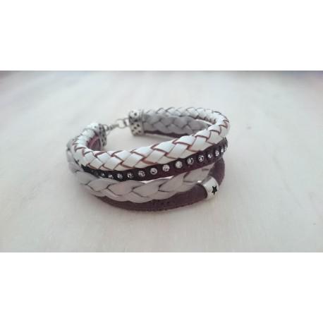 Bordeauxrode met ivoorkleurige armband
