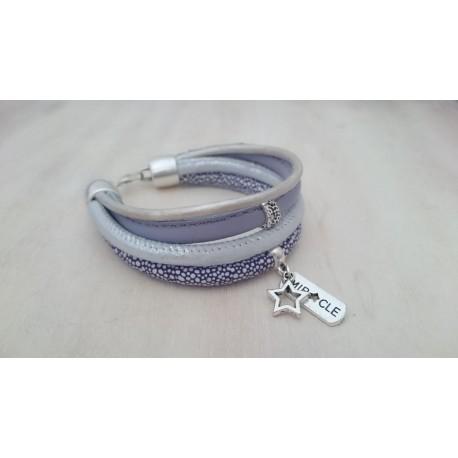 Paars met witte armband