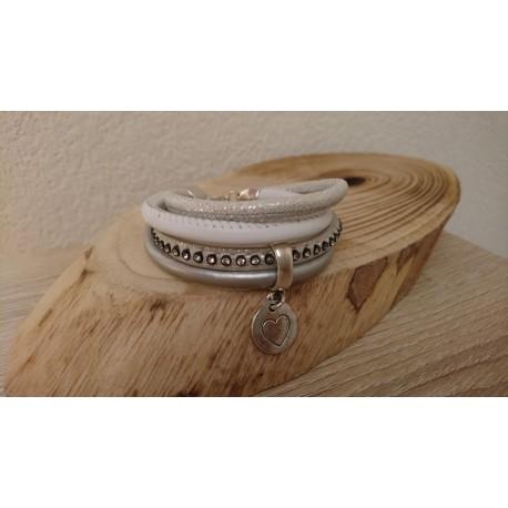 Wit met zilvere armband