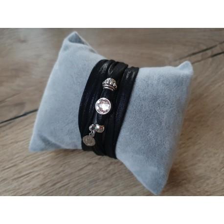 Zwarte wikkelarmband met Swarovski steen