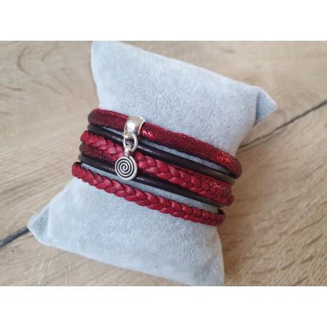 Rode wikkelarmband
